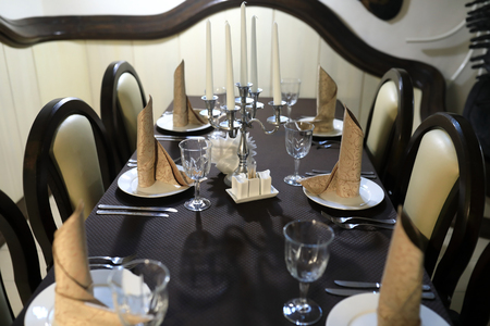 View of table with cutlery in restaurant 免版税图像