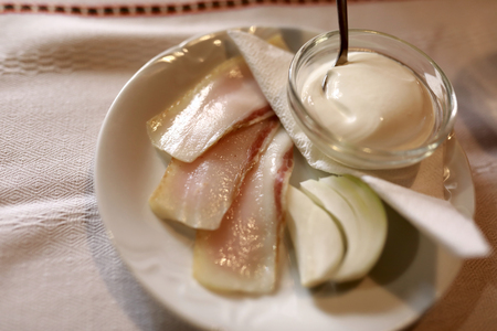 Chopped Lard with Onion on a plate Imagens