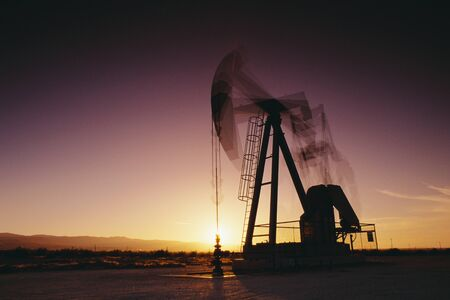 Oil Drill at Sunset California, USA LANG_EVOIMAGES