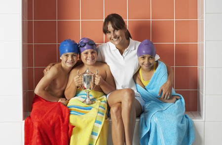 achievment: Swimmers With Trophy LANG_EVOIMAGES