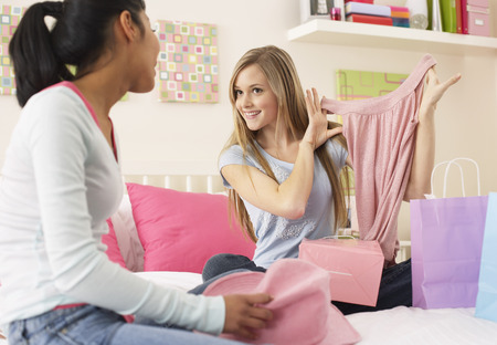 shopping buddies: Girls in Bedroom