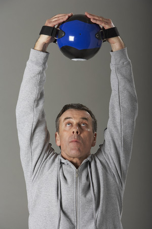 athletic wear: Portrait of Man Working Out LANG_EVOIMAGES