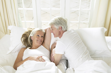 Mature Couple In Bed LANG_EVOIMAGES