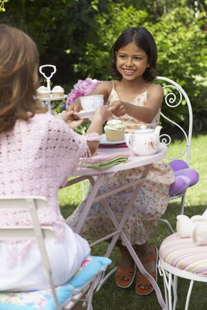 afternoon fancy cake: Girls at Tea Party