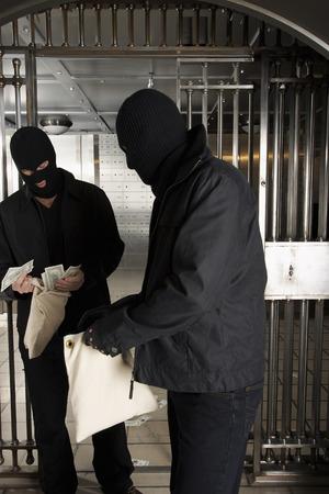 societal: Thieves Robbing Bank