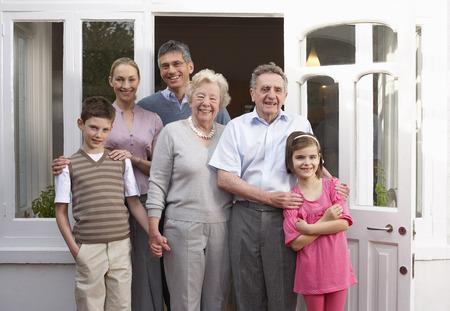 grampa: Family Portrait LANG_EVOIMAGES