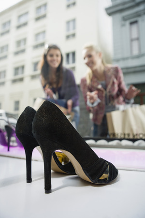 comparable: Women Shopping