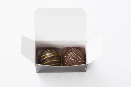 Box of Truffles LANG_EVOIMAGES