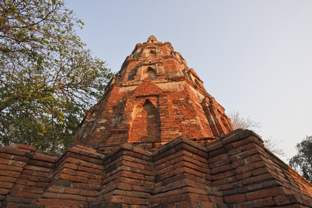 phra nakhon si ayutthaya: Ancient Structure, Ayutthaya, Thailand LANG_EVOIMAGES