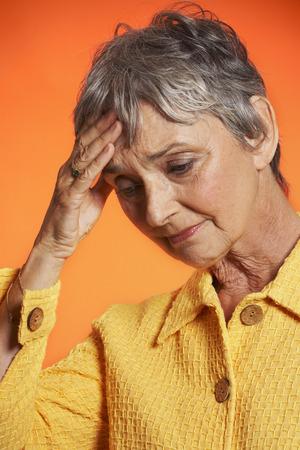 Woman Looking Worried LANG_EVOIMAGES