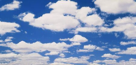 White Clouds in Blue Sky LANG_EVOIMAGES