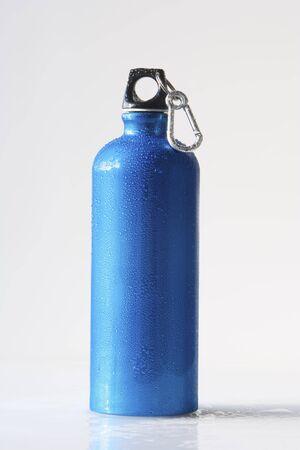 karabiner: Reusable Water Bottle