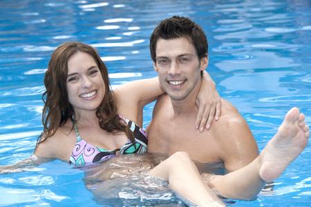 traje mexicano: Couple in Pool, Reef Playacar Resort and Spa, Playa del Carmen, Mexico