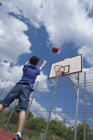 vómito: Niño, juego, baloncesto