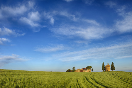 Chapel of Vitaleta and Farmhouse with Cypress Trees in green field,Val d´Orcia,Siena Province,Tuscany,Italy LANG_EVOIMAGES