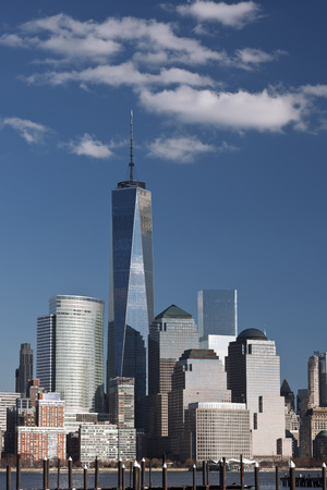 Lower Manhattan Skyline with World Trade Center and One World Trade Center (Freedom Tower), New York City, New York, USA LANG_EVOIMAGES