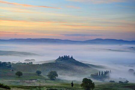 san quirico d'orcia: Podere Belvedere near San Quirico dOrcia at Sunrise, Val dOrcia, Siena, Tuscany, Italy