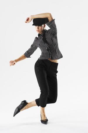 Woman Dancing LANG_EVOIMAGES
