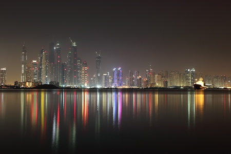 darck: dubai marina night view