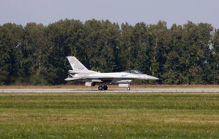f16: F-16 Fighting Falcon Editorial