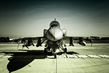 piloting: F-16 Fighting Falcon Editorial