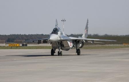piloting: The Mikoyan MiG-29 Fulcrum