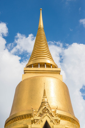 southeastern asia: gloden temple in Thailand