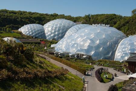Eden Project Biome und Landschaften