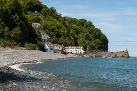 Clovelly Cornwall Strand mit im Vordergrund