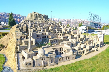 maquette: Miniature Mardin City In Miniaturk Park, Istanbul. Mardin is a city in southeastern Turkey and it is known for its Arabic-like architecture, and for its strategic location on a rocky mountain overlooking the plains of northern Syria. Editorial