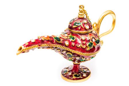 lampada magica: Aladdin lampada magica isolata su sfondo bianco Archivio Fotografico
