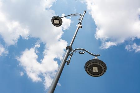 iluminacion: Farola polo contra el cielo azul
