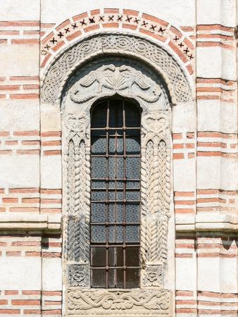 window church: Finestra Vecchia Chiesa ortodossa Archivio Fotografico