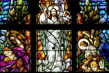 クルージュ ナポカ、ルーマニア - 2014 年 8 月 21 日: イエス ・ キリストの復活のステンド グラスの窓の内部はゴシック ローマ カトリック教会の聖 Mi