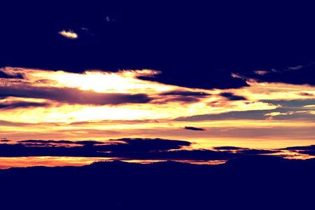 cielo atardecer: Vintage Foto De Invierno Puesta de sol Sky