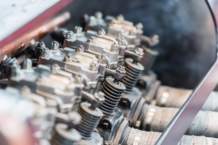 pistones: Coche viejo motor de combusti�n interna Pistones Close Up Foto de archivo