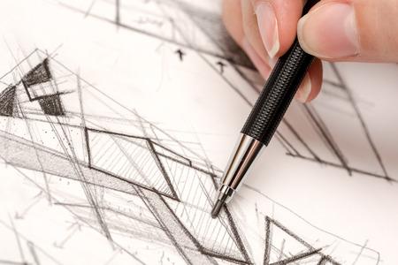 dessin au trait: Fille main dessin hachuré sur le papier avec Crayon
