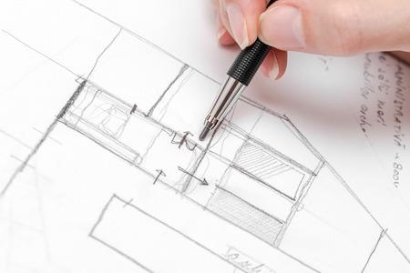 건축가 손을 그리기 하우스 계획 스케치 연필