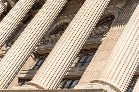 Stone Columns Of Justice Courthouse Archivio Fotografico