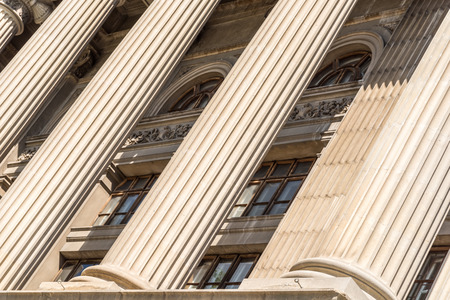 Stone Columns Of Justice Courthouse Stockfoto
