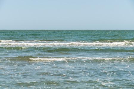 ondas de agua: The Waves Negro agua de mar Foto de archivo