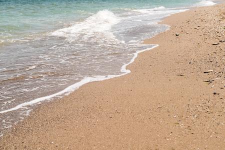 shoreline: Las olas del mar Negro en Shoreline Foto de archivo