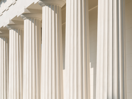derecho romano: Columnas d�ricas del templo griego