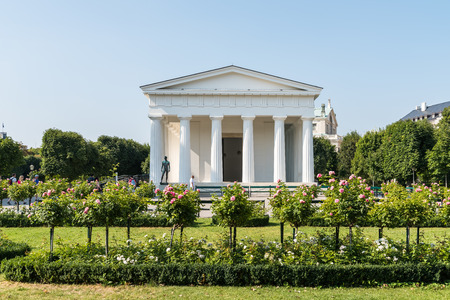 neoclassical: VIENNA, AUSTRIA - AUGUST 06, 2015: In Volksgarten Park Peoples Garden stands the neoclassical Theseus Temple completed in 1821 that was designed to house Antonio Canovas Theseus sculpture. Editorial
