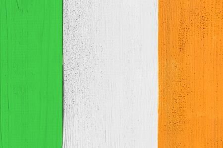 bandera de irlanda: Irlanda bandera pintada en la tarjeta de madera de
