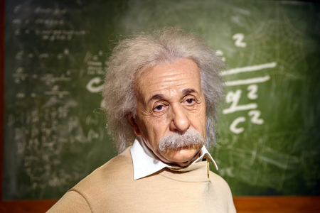 WENEN, Oostenrijk - 8 augustus 2015: Albert Einstein Figurine Bij Madame Tussauds.