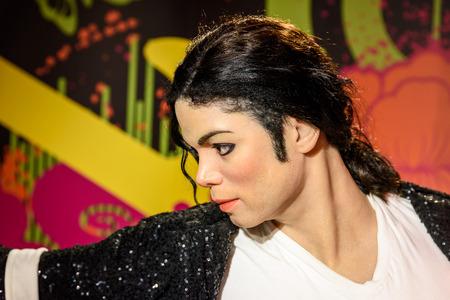 WENEN, Oostenrijk - 8 augustus 2015: Michael Jackson Figurine Bij Madame Tussauds.