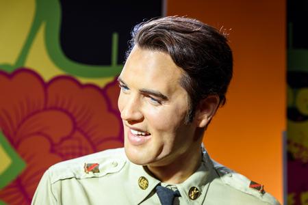 WENEN, OOSTENRIJK - AUGUSTUS 08, 2015: Elvis Presley-Beeldje bij het Wassenbeeldenmuseum van Madame Tussauds.