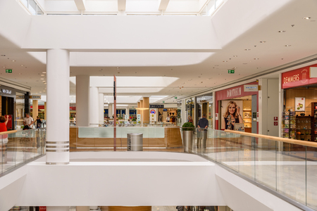 sud: VIENNA, AUSTRIA - AUGUST 10, 2015: People Shop In Shopping City Sud Luxury Mall The Biggest Shopping Mall In Austria. Editorial