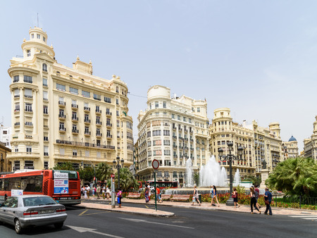 modernisme: VALENCIA, SPAIN - JULY 20, 2016: Plaza del Ayuntamiento (Modernisme Plaza of the City Hall of Valencia) Is One Of The Largest Squares In Valencia And Current Location Of The City Hall And Its Fountain Editorial
